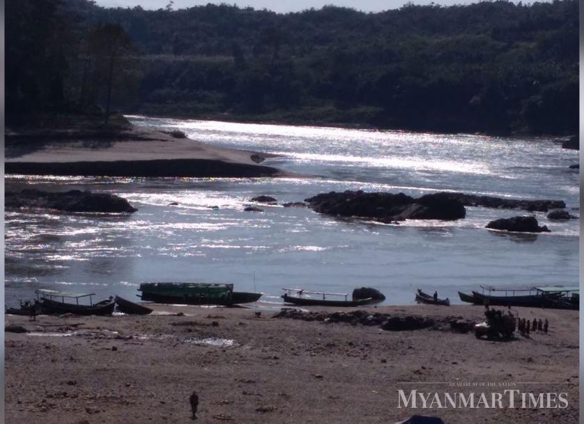 ဧရာဝတီမြစ်ရေသည် တစ်ရက်အတွင်း ၅ ပေခန့် မြင့်တက်လာသဖြင့် သတိပြုသင့်ဟု မိုးဇလထုတ်ပြန်