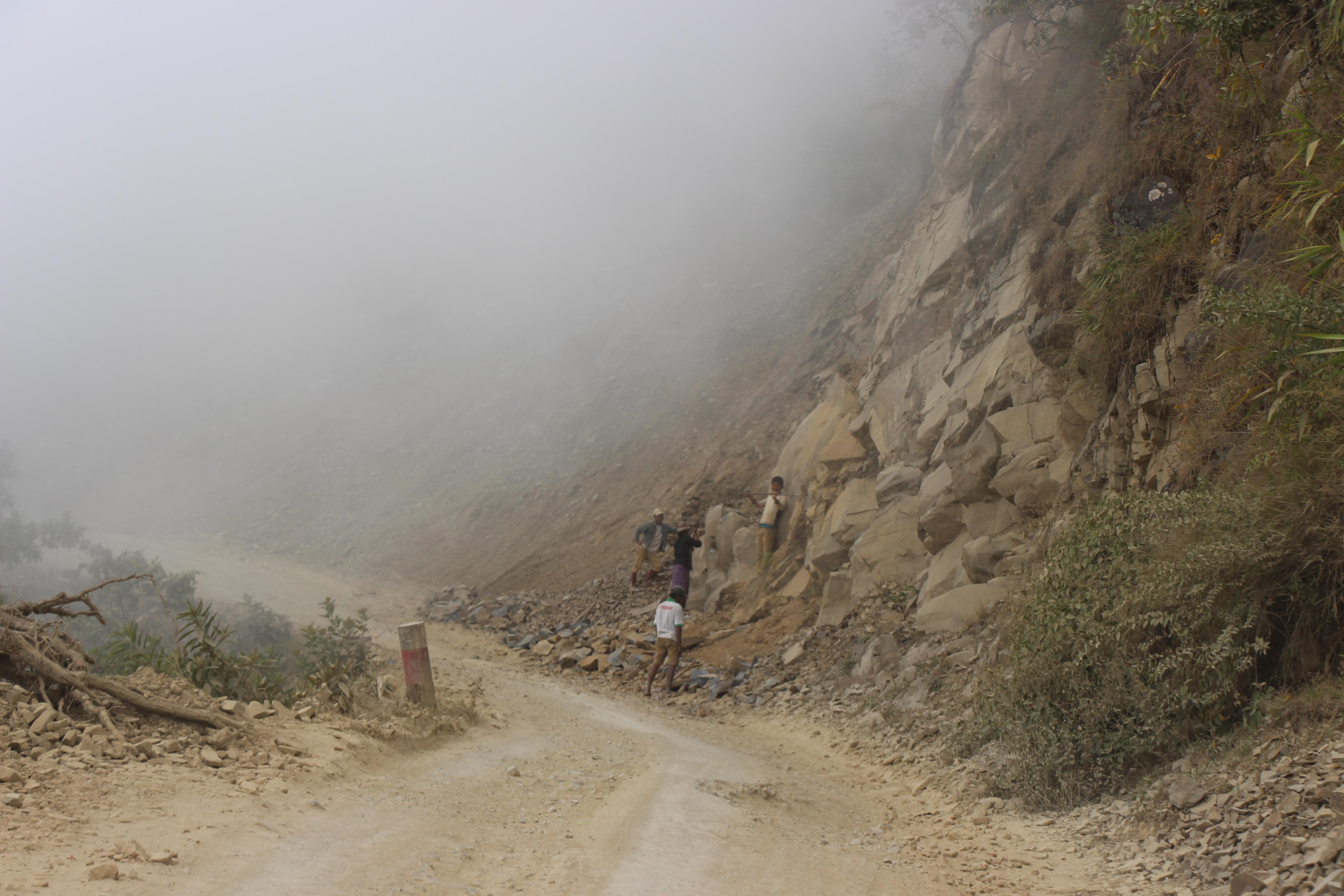 ရိဒ်- တီးတိန် ကုန်သွယ်ရေးလမ်းကို အဆင့်မြှင့်တင်ပေးရန် ဒုတိယသမ္မထံ တင်ပြ