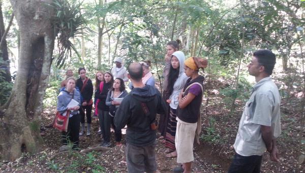 Green Way အဖွဲ့ သီရိ လင်္ကာ နိုင်ငံရှိ ရေရှည် တည်တံ့သော စိုက်ပျိုးရေး နည်းပညာ ဖြန့်ဝေရန်နှင့် ၎င်းဒေသရှိ စိုက်ပျိုးရေးနှင့် သစ်တော ထိန်းသိမ်း နည်းများ လေ့လာရန် ရောက်ရှိ